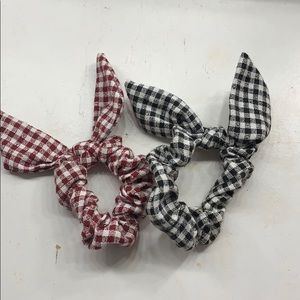 5 for $20😍Bundle of Gingham Bow Scrunchies